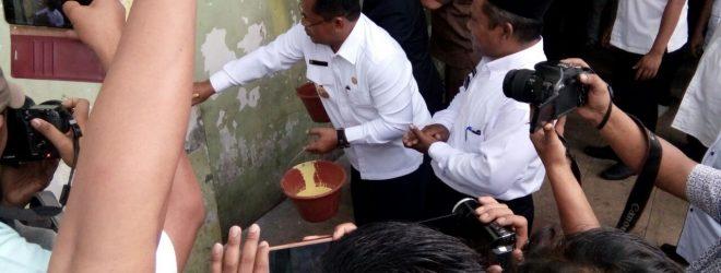 Walikota Banda Aceh melaunching Pengecetan Toko di mulai dari Peunayong